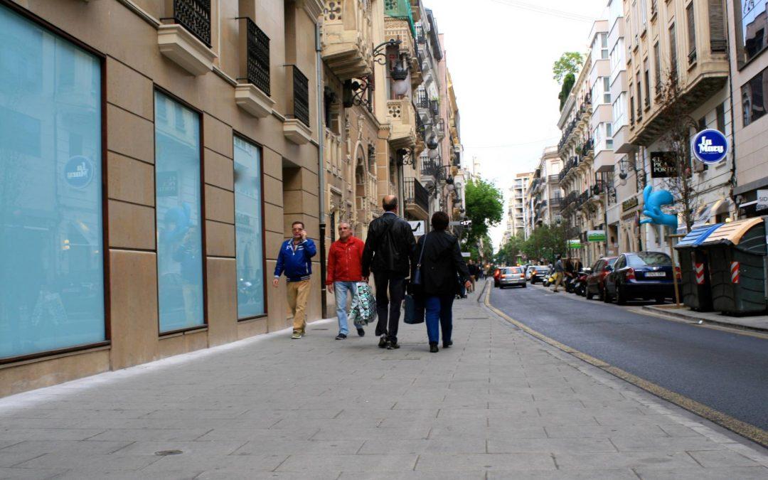 CIUDADES ESPEJO: VALENCIA. La baldosa que disminuye la contaminación atmosférica